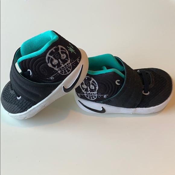 sale retailer becc0 780e1 NEW Nike Kyrie II